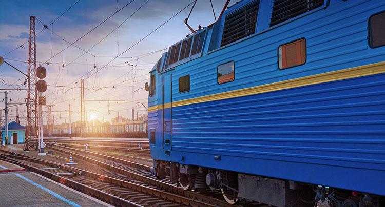 Транзитные контейнерные поезда ускорили движение