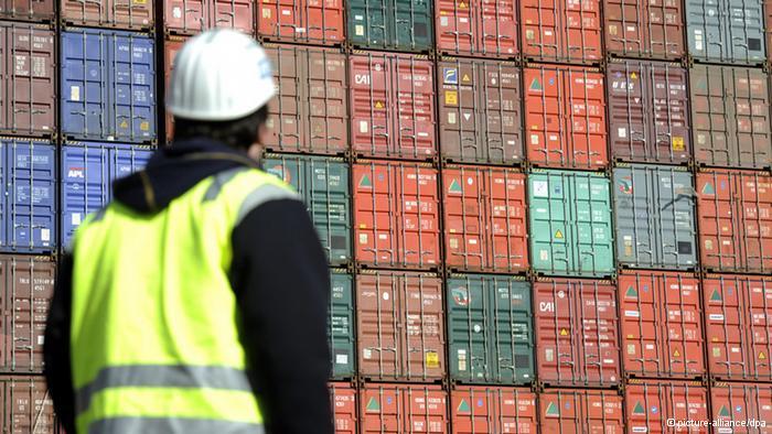 Оборот контейнеров в порту Санкт-Петербург перестал расти