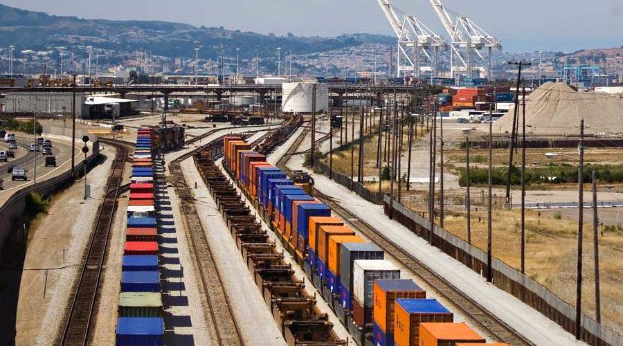 """""""Евросиб"""" в октябре запустит контейнерный поезд из Китая в Москву"""